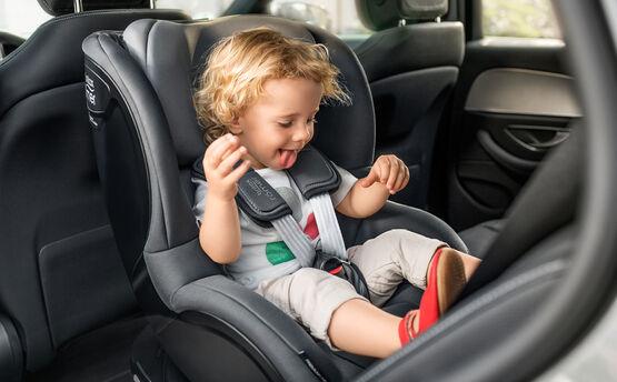 Britax Romer, Dualfix M-i-Size - Fotelik samochodowy od 3 miesięcy - 4 lat - 18 kg (61 - 105 cm)
