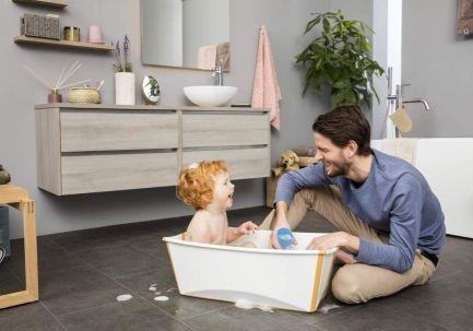 Stokke Flexi Bath zapewnia bezpieczną kąpiel